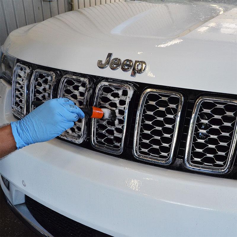 Ręczna myjnia samochodowa - kosmetyka, mycie silnika, mycie podwozia – już od 22 zł