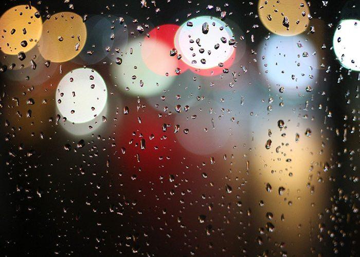 Parujące szyby samochodowe – przyczyny i przeciwdziałanie