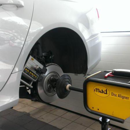 Turning the brake rotors on the vehicle